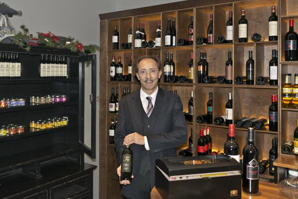 Sommelier presents Wine in the Vinotheque