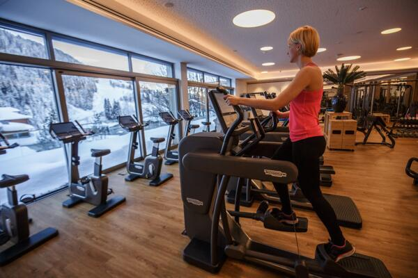 Large Fitnessstudio with Panorama view