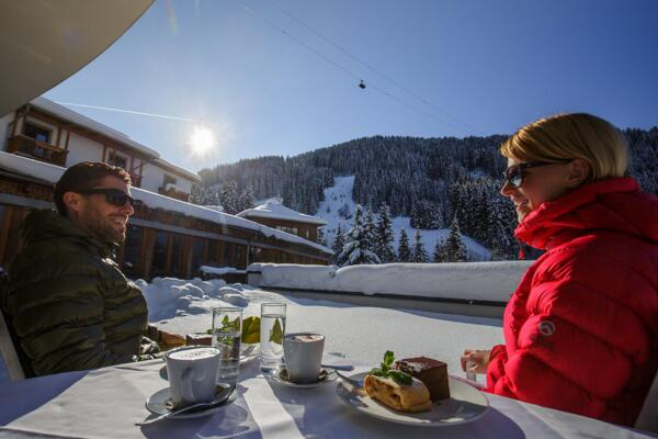 Guests enjoy the view on the winter scenery in Wagrain